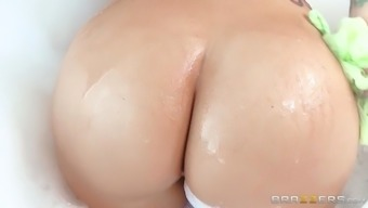 syren delaware mer soaping her juicy booty and enormous titties