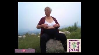 ilovegranny sizzling granny beginner photograph slideshow