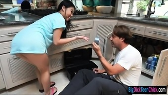 Asian teen hooker Cindy Starfall gets railed by pervy plumber