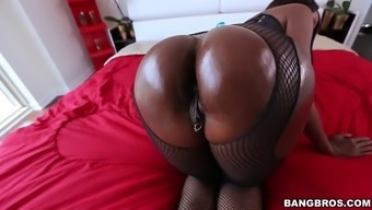 diamond fitzgibbons gets her major black stupid ass worshipped