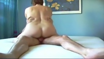 Whining Mature Squirts
