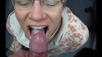 granny swallows sperm such as a top notch slut