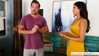 Brunette eyed girlfriend or wife Sophia Leone advances legs to find out about penis in twat