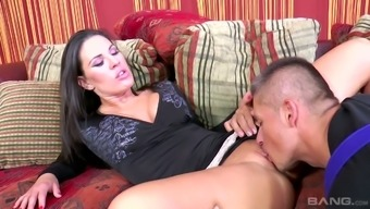 Great temptress Athina Absolutely adore exchanges sex with workmen for home repairs