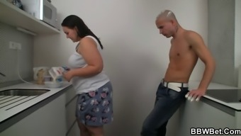 BBW sexual intercourse along at the the kitchen