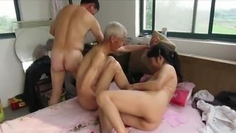 Asian Grandpas in Behavior
