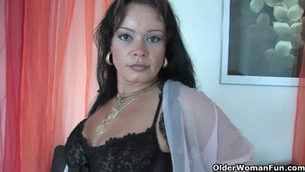 Chunky soccer mom in stockings functions her very difficult clit