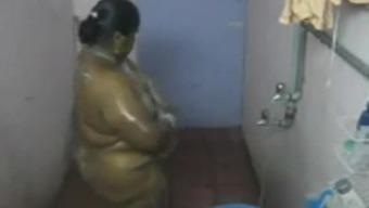 desi- southern part indian aunty swim