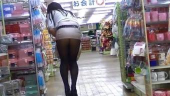 japanese people MILF shameful exposure in skirt high heel boots block exhibition!