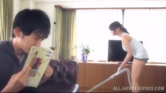 Alluring Japanese girl encourages an individual play with her huge genuine titties