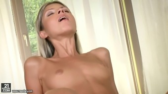 Sassy blonde babe Doris Ivy gets all her tense openings popped well