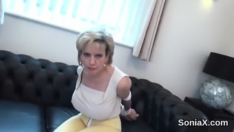Roving english grow older female sonia pops out her big tits
