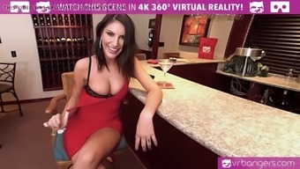 VR PORN-AUGUST AMES Make a Top class BLOWJOB With the Tavern