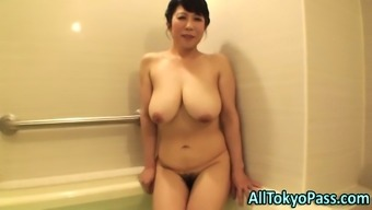 Blowing fast grow older from asia slut