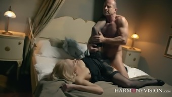 Beautiful Brittany Bardot spreads legs to make her porn star enjoy eating her stormy crimson