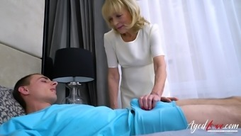 Youngster partner enjoys blowjob and hilarious by using clearly mature granny