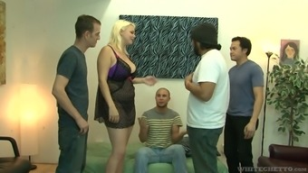 Lusty bootylicious real blond hoe Alice Frost is ready for hard fuck