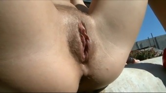 girls pissing-comp-2a