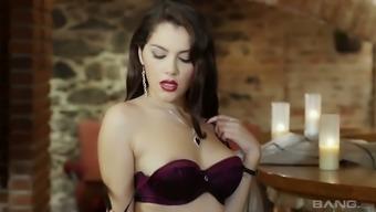 Wondrous major breasted Italian language nympho Valentina Nappi requires twice penetration