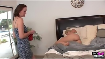 Pussylicking stepmom seduced youngster beauty