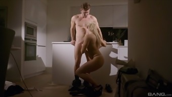 Younger guy and lastly actually reaches fuck Brittany Bardot up until he cums