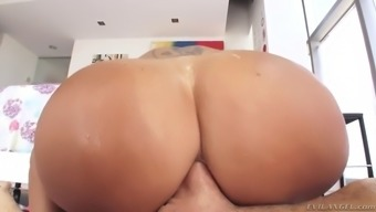 ava addams poops with excess weight and banana before anal passage