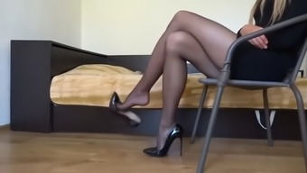 Ideal pantyhose sway
