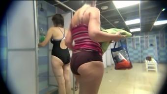 General public bathe rooms hidden cam