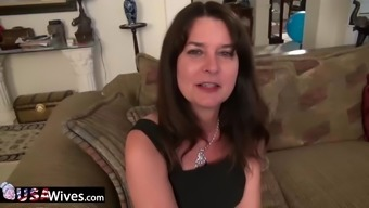 Horny mature Lori Leane masturbating her hairy pussy alone