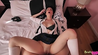 Big bottomed stepsis fucking with her clothes on and loving every second