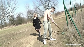 Country mature whore pays money one young man for sex in public