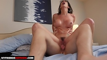 Trimmed pussy wife Dava Foxx gets fucked by a younger lover