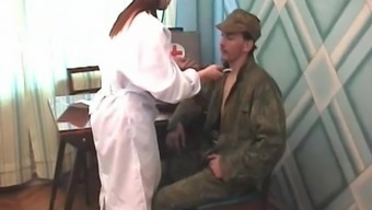 Subject nurse gets fucked challenging by the soldiers bloke within the first aid space