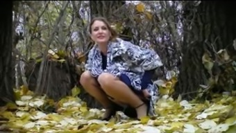 Usrr bride to be pissing in forest! Beginner!