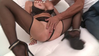 Full-figured MILF Veronica Avluv is getting dicked more easily than ever!