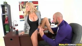 Astonishing brown milf by using big tits gets fucked