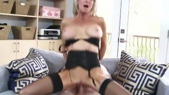 Slutty Step mom Emma Starr Gives Best Blowjob her action offspring and can help himcum