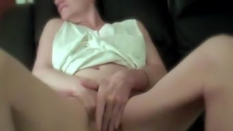 Knuckling My Clitoris for My Xhamster Close friends Free Porno df.f