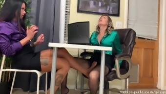 Getting a raise by making boss cum in her pantyhose